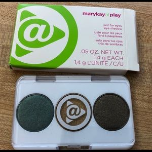 Lot 2 Limited Edition Mary Kay at Play Eye Shadow